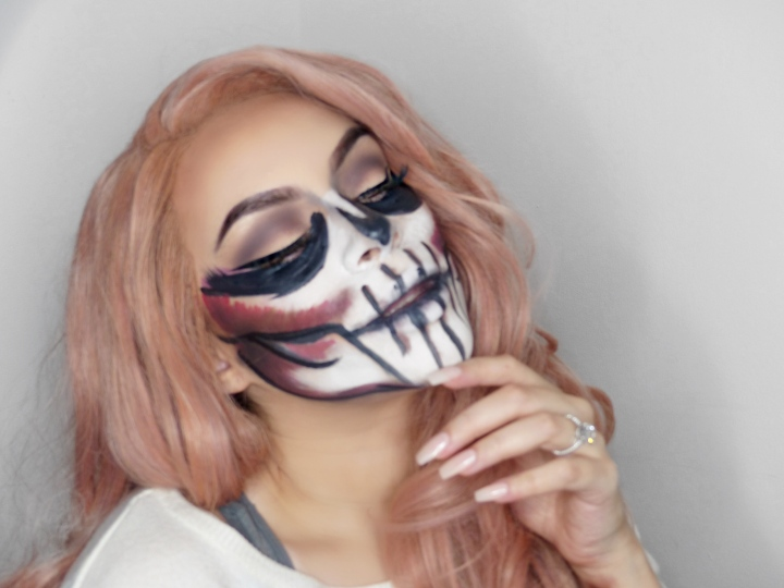 Halloween makeup: Girly Skull
